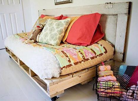 bastelideen für DIY Sofa aus europaletten