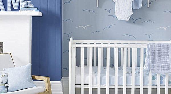 ideen babyzimmer junge mit wandfarbe blau und tapete babyzimmer grau mit vogelmotiv - fresHouse