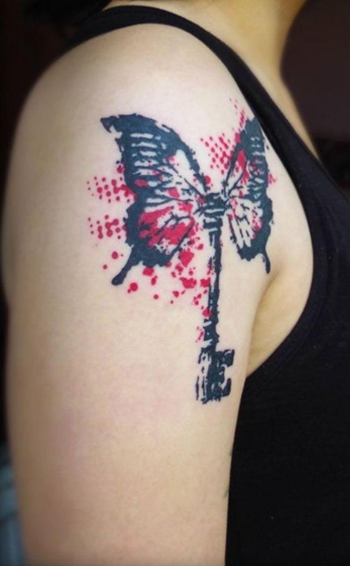 coole tattoovorlage schmetterling in schwarz und rot