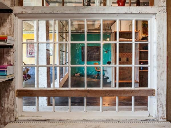 coole idee für interior design aus holzfenster mit gitter
