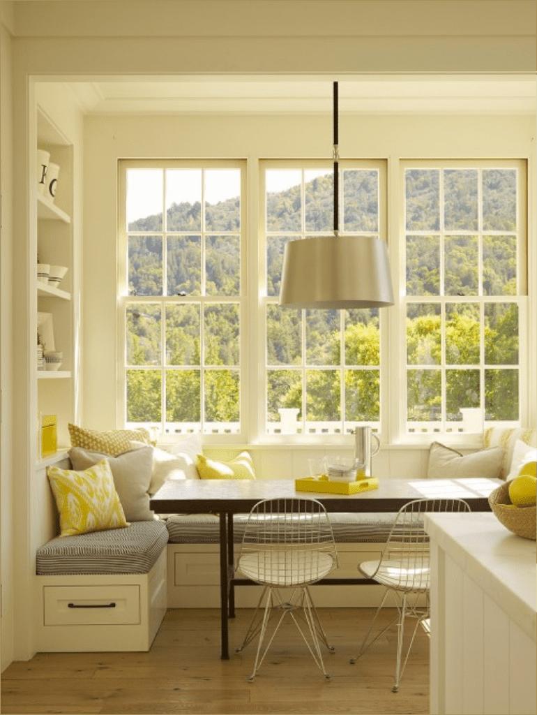 k che wei mit sitzecke k che und eingebauten wandregalen in wei freshouse. Black Bedroom Furniture Sets. Home Design Ideas
