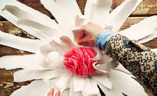 traumhochzeit dekoration selber machen aus Papierblumen