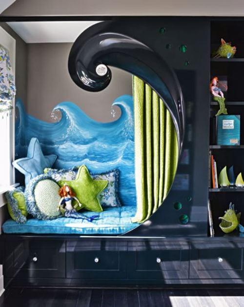dunkle farbe für kinderzimmergestaltung mit sitzecke mit schunbladen und regalen in schwarz