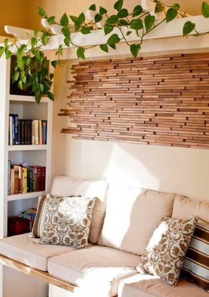 kleines wohnzimmer einrichten mit wanddeko holz und