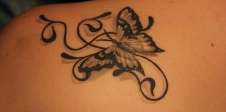 rücken schulter tattoo idee für frauen