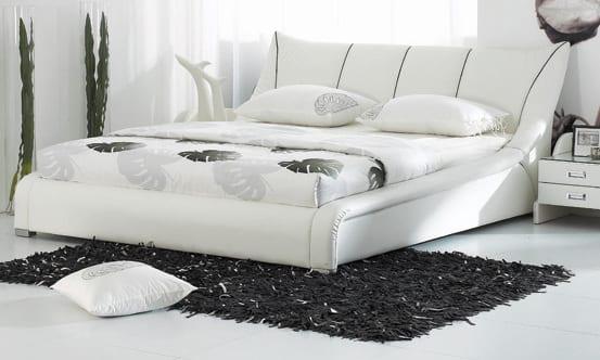 modernes schlafzimmer design mit wasserbett weiß und schlafzimmer teppich schwarz