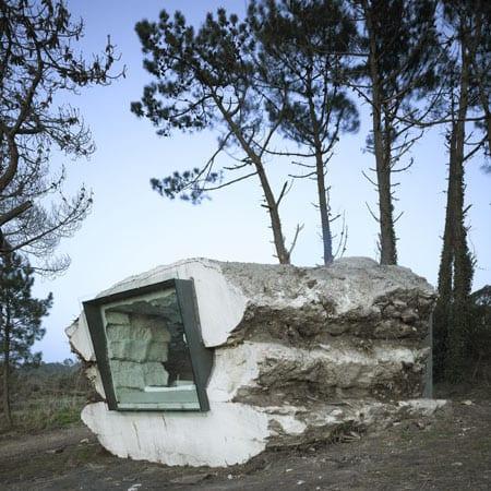 das betonbau mit schrägfenster