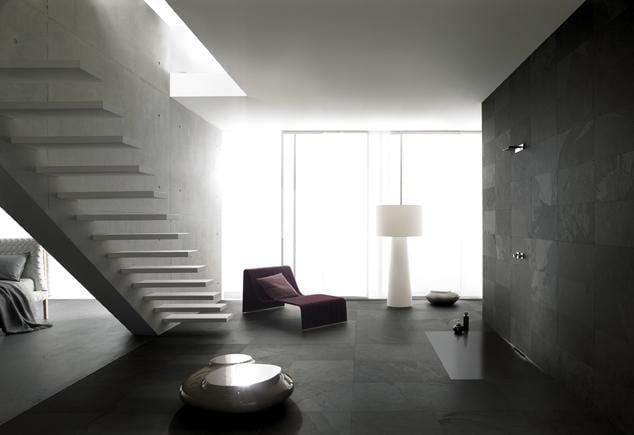 modernes Badezimmer Inspirationen mit schwarzen natursteinfliesen und schwarze bodengleiche Duschfläche