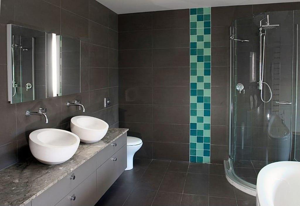 badezimmer grau mit eckiger duschkabine und fliesen ideen badezimmer in blau und grau