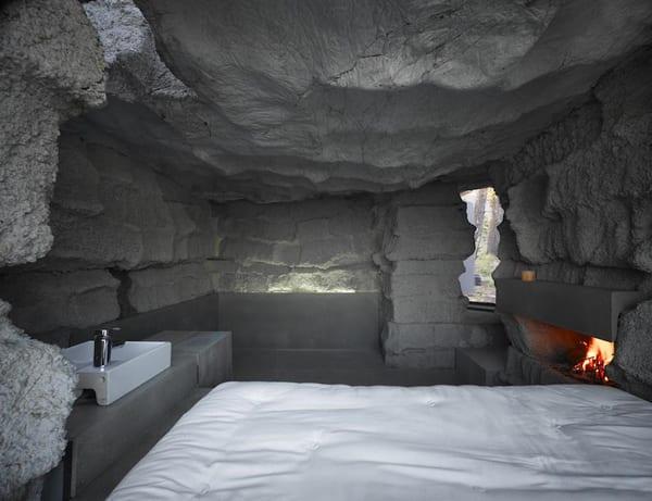 kleines Schlafzimmer Inspiration mit reliefartigen Wänden aus Beton