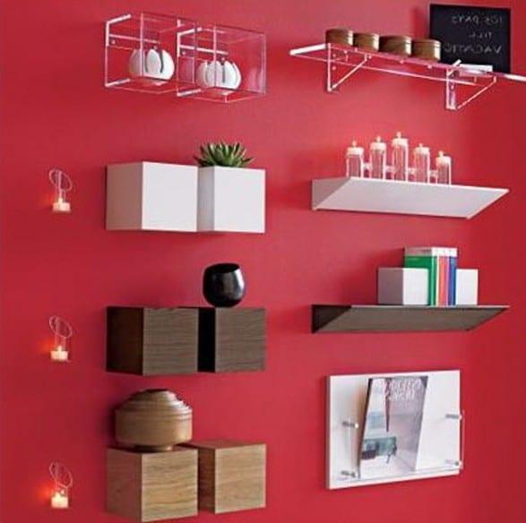 wandfarbe rot mit kreativer wandgestaltung