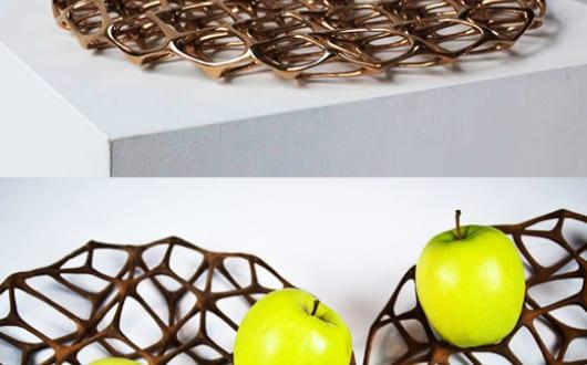 Tisch eindecken mit moderner obstschale macedonia tray von janne kyttanen freshouse - Babyzimmer janne ...