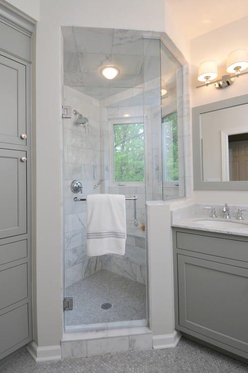 badezimmergestaltung mit grauen badezimmerschränken