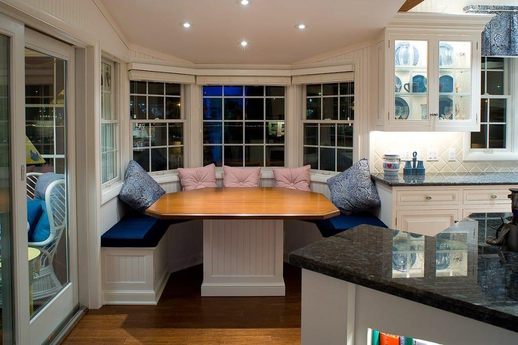 küche weiß mit weißem sitzecke rund