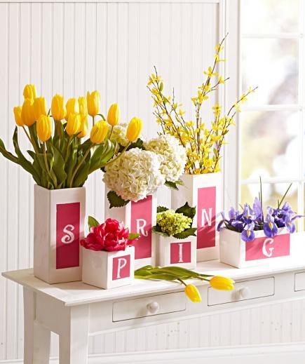 sideboard weiß mit vasen dekorieren