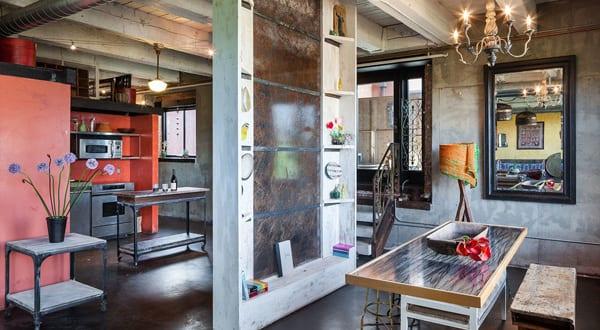 wohn esszimmer interior mit transparenter wandpaneel und esszimmertisch mit glasplatte freshouse. Black Bedroom Furniture Sets. Home Design Ideas