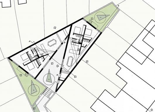 dreieckiges Grundstück mit zwei dreieckigen Häusern