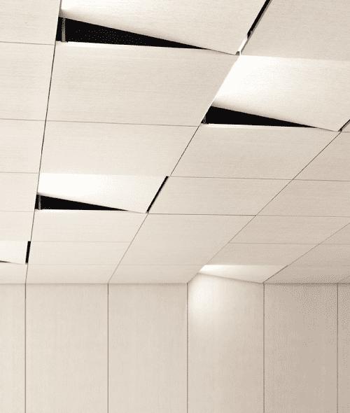 Deckengestaltung in weiß mit Schallschutzpaneelen