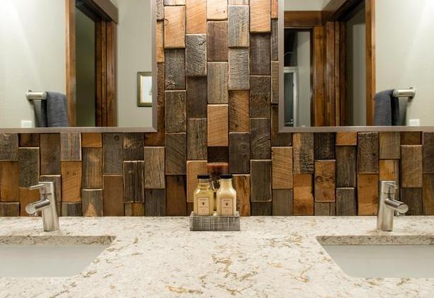 coole wandgestaltung badezimmer mit Holzfliesen und badezimmer Spiegel