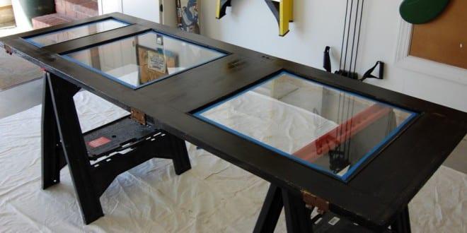 coole bastelidee f r diy schreibtisch von holzt r mit glasscheiben freshouse. Black Bedroom Furniture Sets. Home Design Ideas