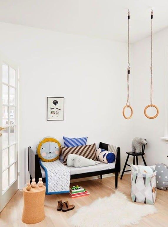 ideen für kreatibe kinderzimmergestaltung mit gymnastik Ringen