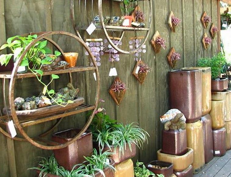 gartenmauer dekorieren mit DIY Gartendeko