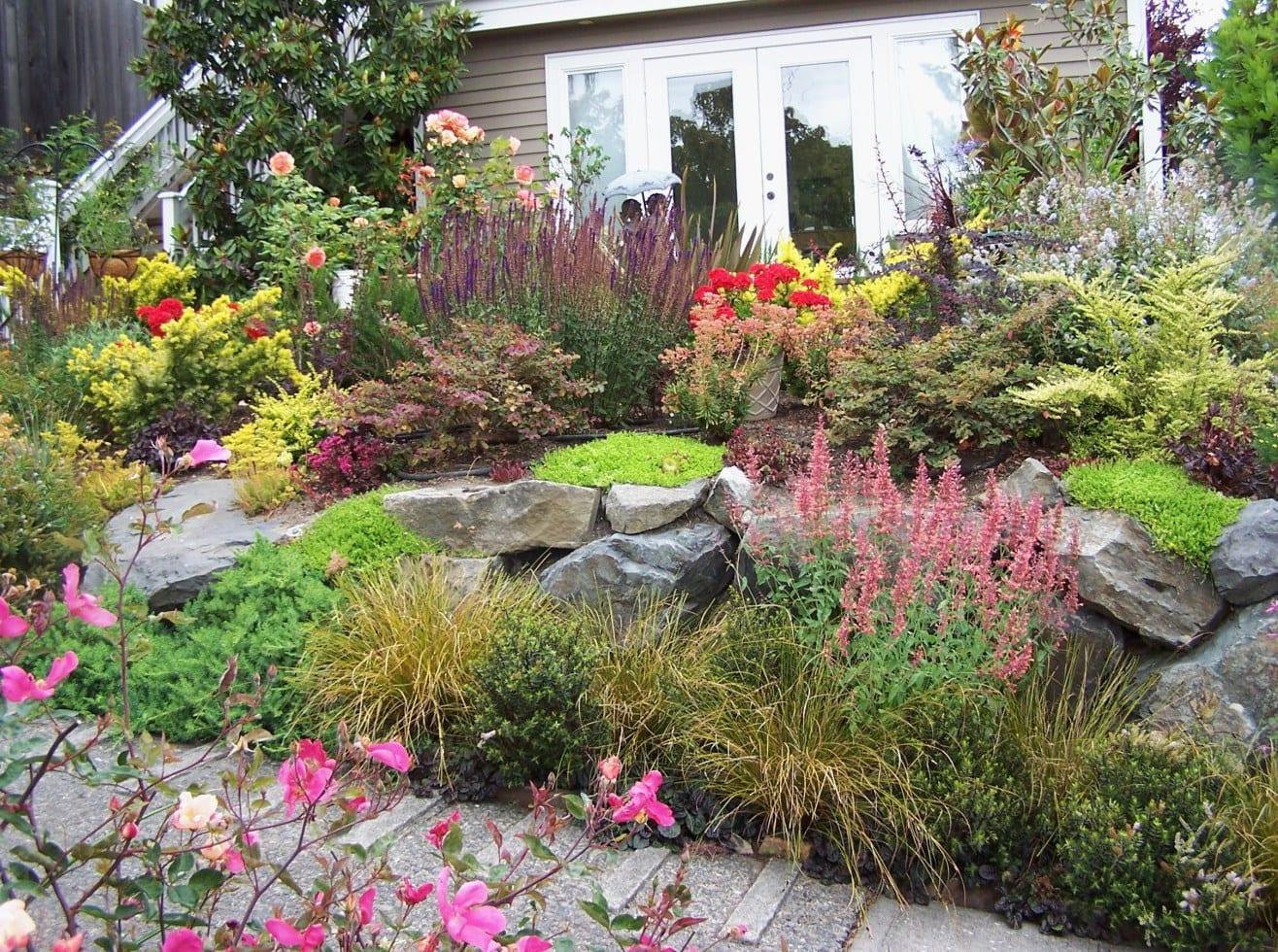 vorgarten gestalten mit gartenweg und steinen