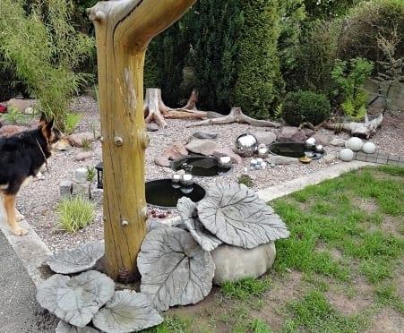 gartendekoration für steingarten mit diy gartensteinen in blatform aus beton