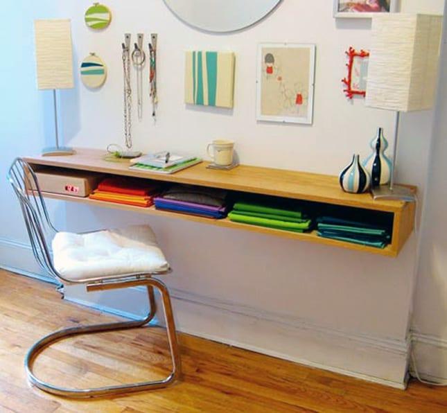 DIY Wandregal als Schreibtisch