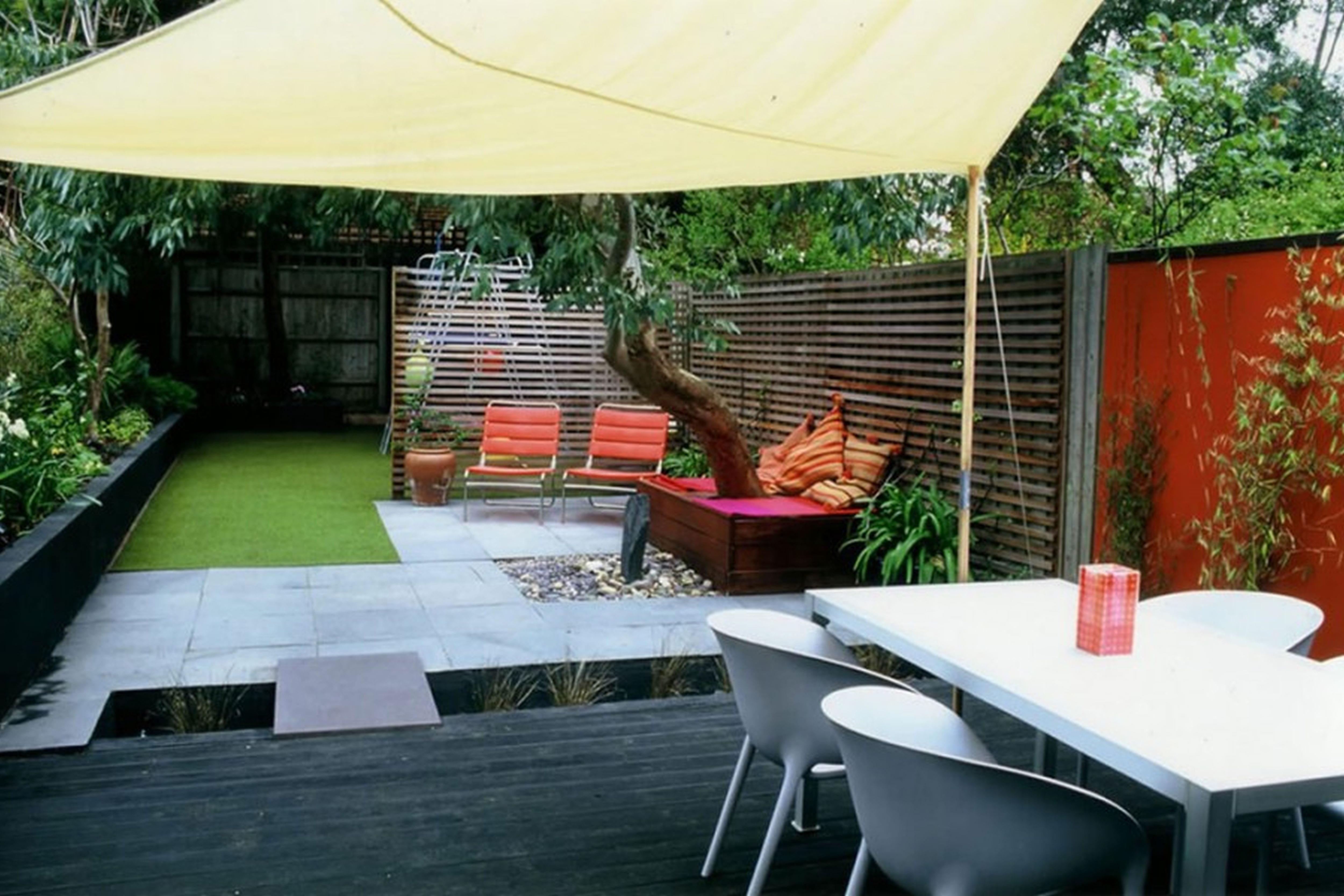 ideen für gartengestaltung mit sichtschutz und teichbecken