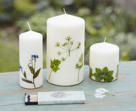 DIY Kerzendeko mit DIY Kerzen mit Herbarium