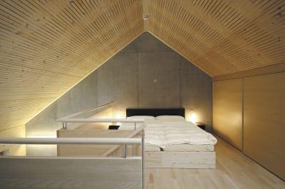ideen für einrichtung mezzanin Wohnung mit holzpaneelen für perfekte raumakustik
