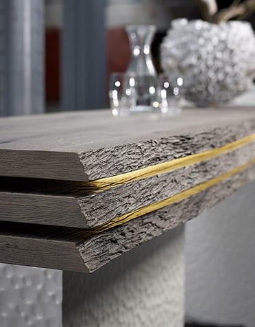 Holztheke grau aus Borkeplatten und indirekte Beleuchtung