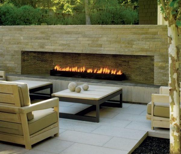 moderne sitzecke mit außenkamin für moderne gartengestaltung, Gartenarbeit ideen