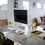 Schreibtisch selber bauen idee mit holztür weiß als tischplatte für moderne büroräume