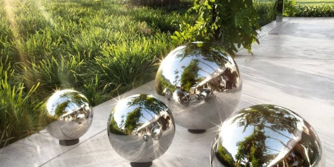 silberne rosenkugeln aus edelstahl f r moderne g rten freshouse. Black Bedroom Furniture Sets. Home Design Ideas