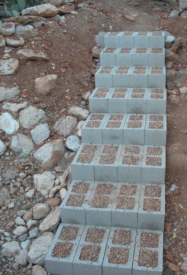 idee für gartentreppe aus betonfomsteinen selber zu bauen