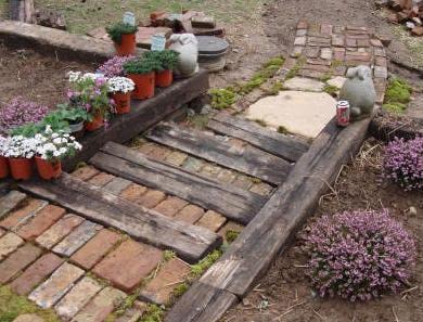 DIY Gartentreppe mit Holzstufen