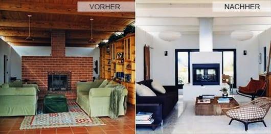 wohnzimmer mit holzdecke wei0 und bodenfliesen weiß_farbgestaltung in weiß mit sofa blau