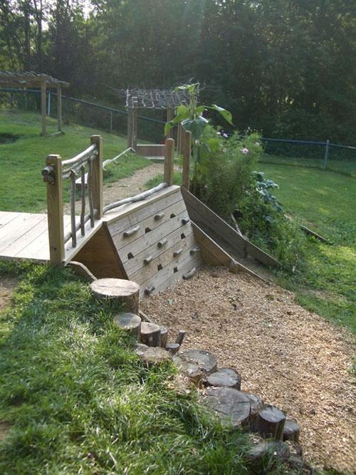 idee für kinderplatz selber zu bauen mit kinder kletterwand holz