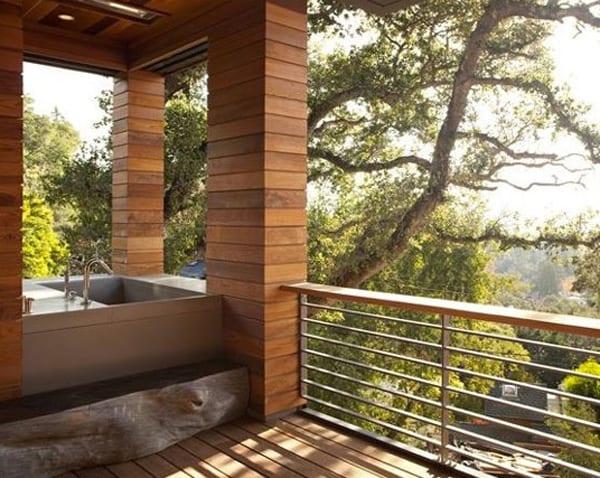 luxus badewanne im außenbereich
