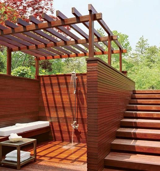 gartengestaltung Pergola und Holztreppe
