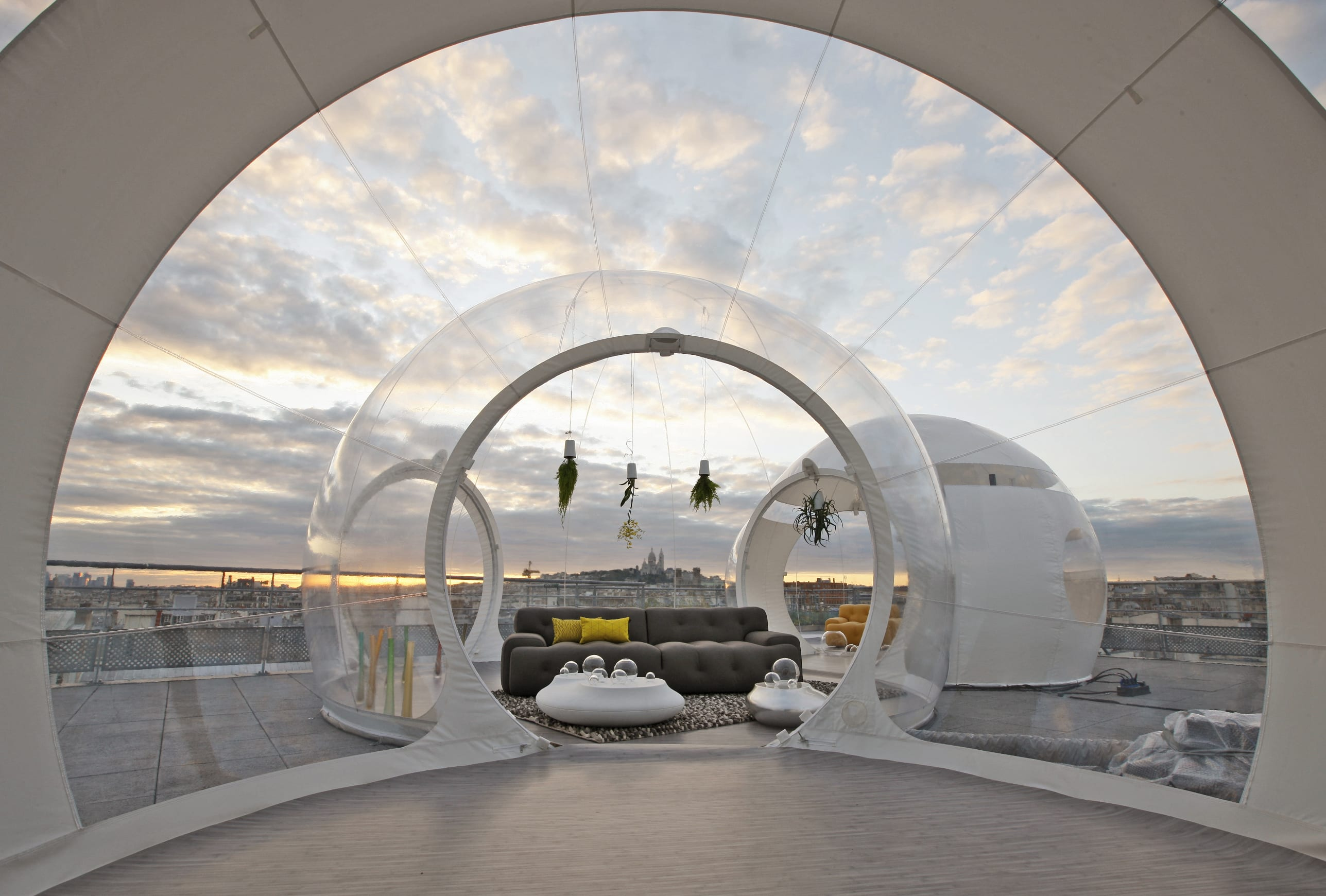 coole terrassengestaltung mit bubble zelt