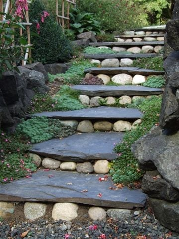 gartentreppe mit steinen selber bauen als kreative gartengestaltung zum steingarten