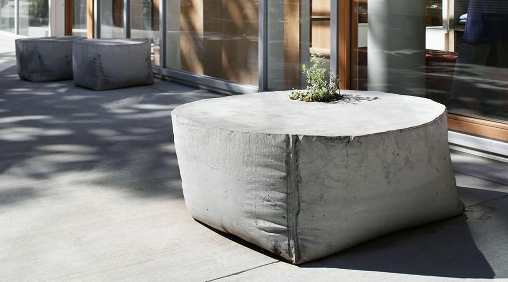 bastelidee mit beton für DIY Gartenbank als Pflanzenbett