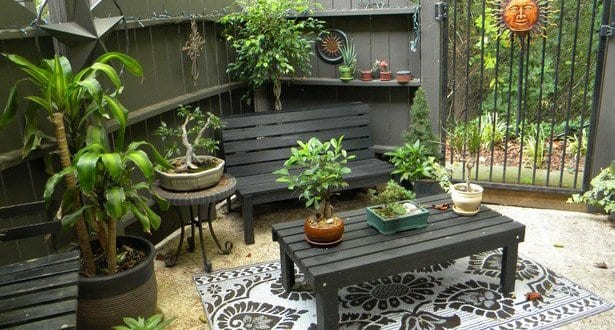garten idee in schwarz als kleines wohnzimmer einrichten freshouse. Black Bedroom Furniture Sets. Home Design Ideas