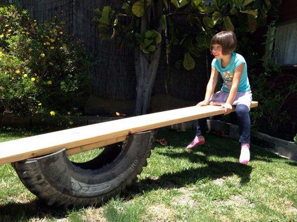 spielplatz mit DIY kinderspielgeräten