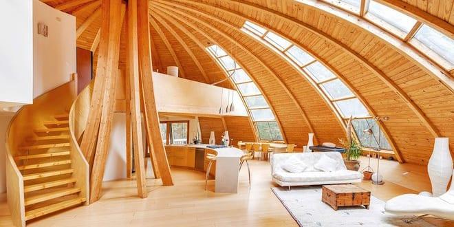 luxus wohnzimmer holz inspiration mit innentreppe holz und kuppeldach freshouse. Black Bedroom Furniture Sets. Home Design Ideas