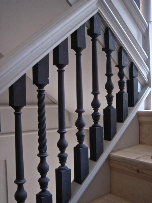 moderne innentreppe holz_ treppengeländer streichen idee