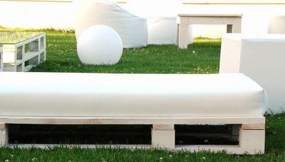 ... aus paletten_gartensofa weiß aus europaletten mit polster - fresHouse